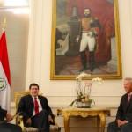 John Maxwell en audiencia con el Presidente Horacio Cartes, acompañado del Min. José Molinas FOTO: Presidencia.gov.py